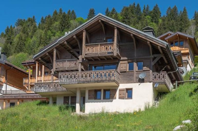 Chalet Harvey, 4 Bedrooms 2 Bathrooms Sleeps 8