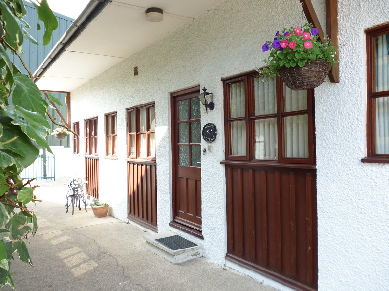 Magpie sleeps 1 bedroom 2+1+2 cots £1100 (THIS COTTAGE IS BOOKED)